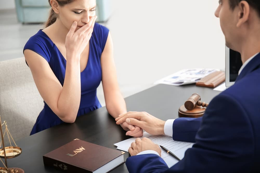 Woman seeking legal advise for her personal injury claim.